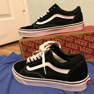 Shoes - Old Skool Vans